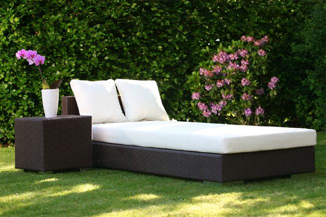 Jetzt Ziehen Loungemöbel In Den Garten Ein. Sie Erinnern An Komfortable  Sitzgelegenheiten Aus Dem Wohnzimmer, Besitzen Jedoch Eigenschaften, Die  Speziell ...