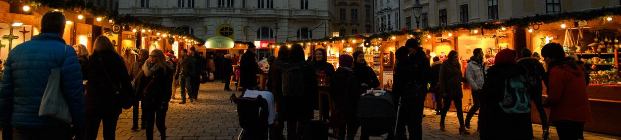 Atmosphäre am Weihnachtsmarkt am Hof