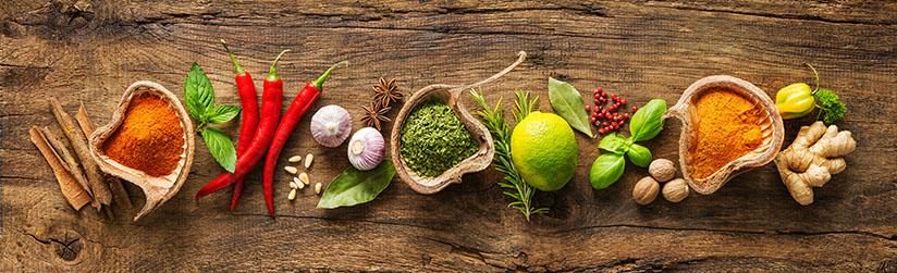 Scharfe Gewürze - Chili, Ingwer, Paprika