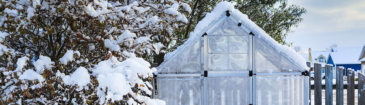 Gartenarbeiten im Dezember - Gartenhaus winterfest machen